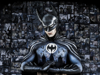 A bodyart tribute to Tim Burtons Batman by Donatella Parisini, Bodyart Elvis Schmoulianoff