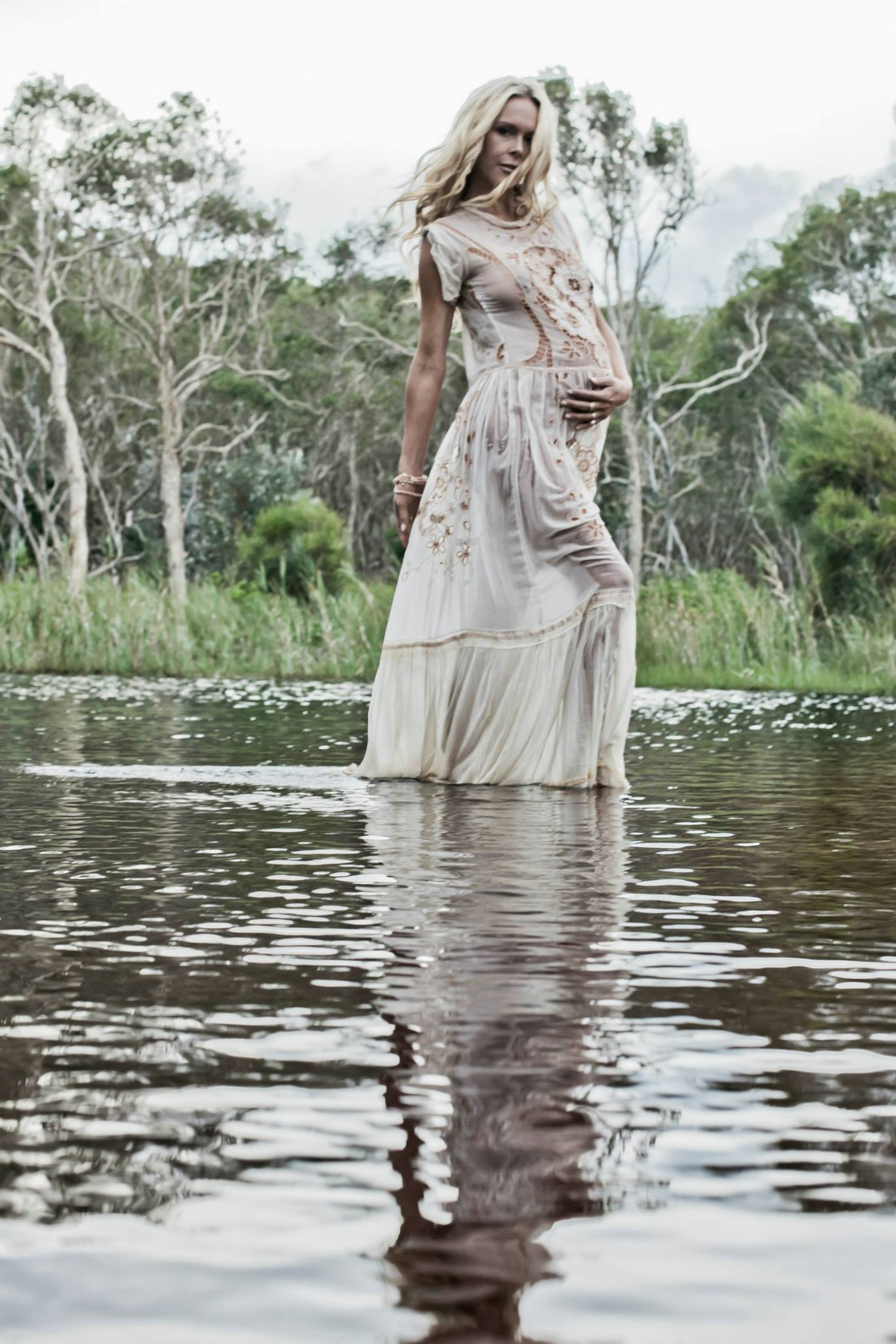 reflection  pregnancy portrait beauty fashion boho