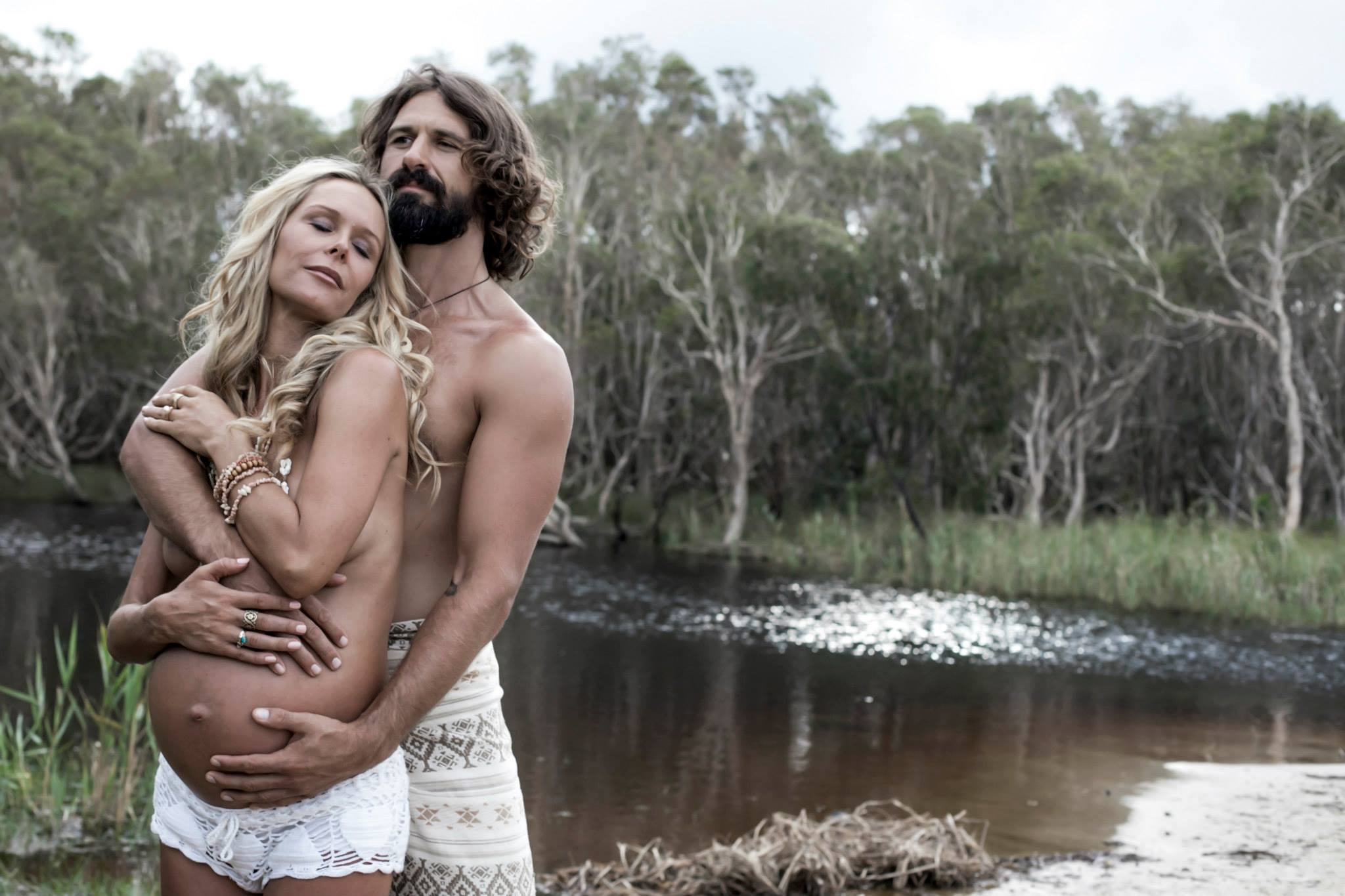 crochet fashion pregnancy photo couple love boho byron bay