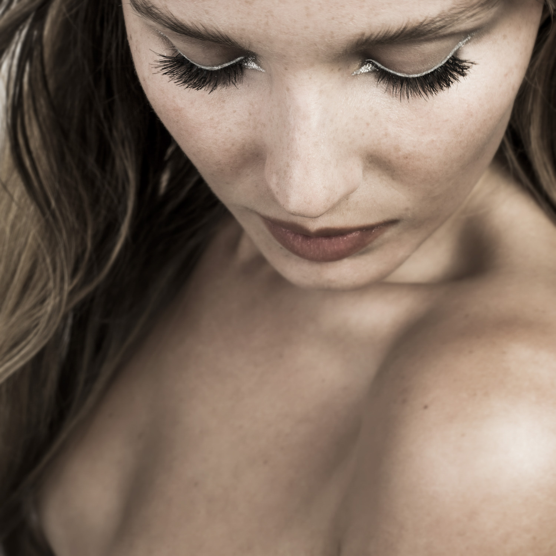metallic eyeshadows silver liner beauty shoot