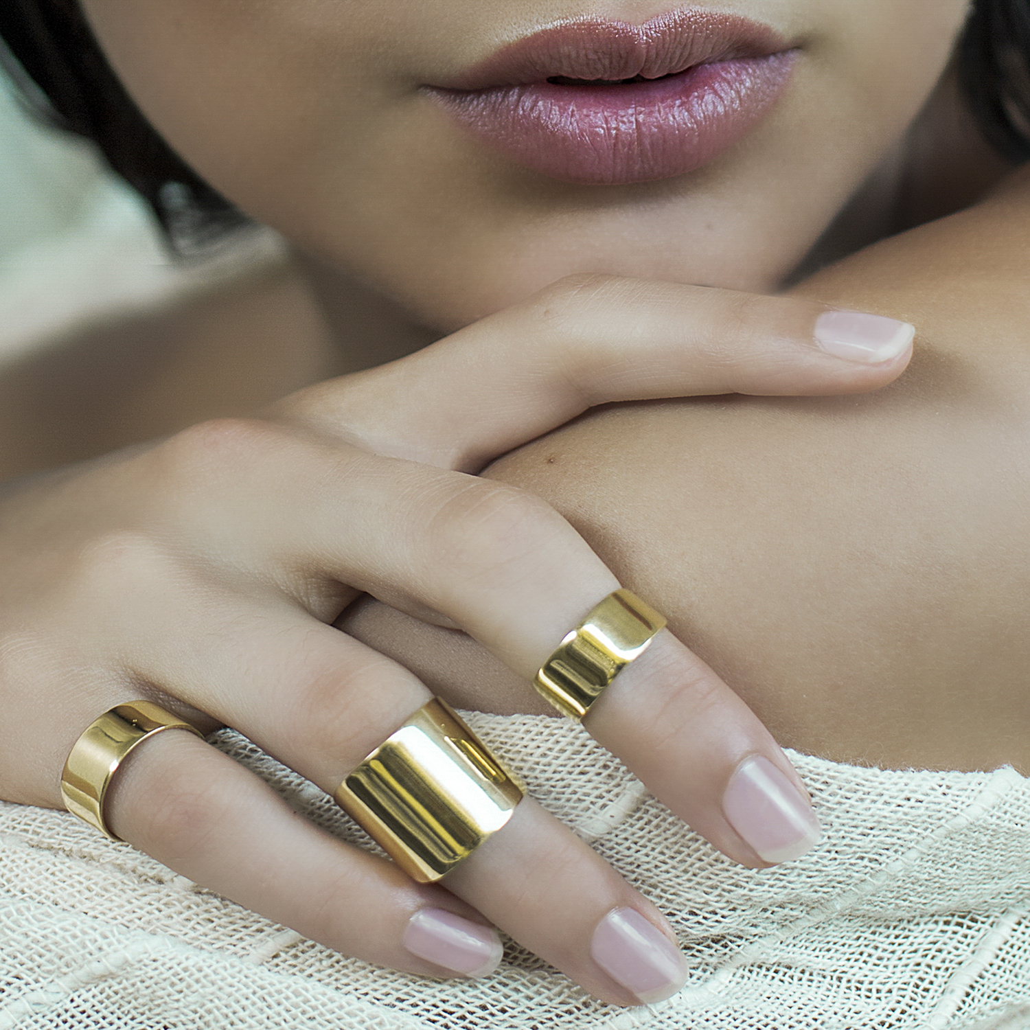 beauty shoot with silver jewellery rings by Donatella Parisini
