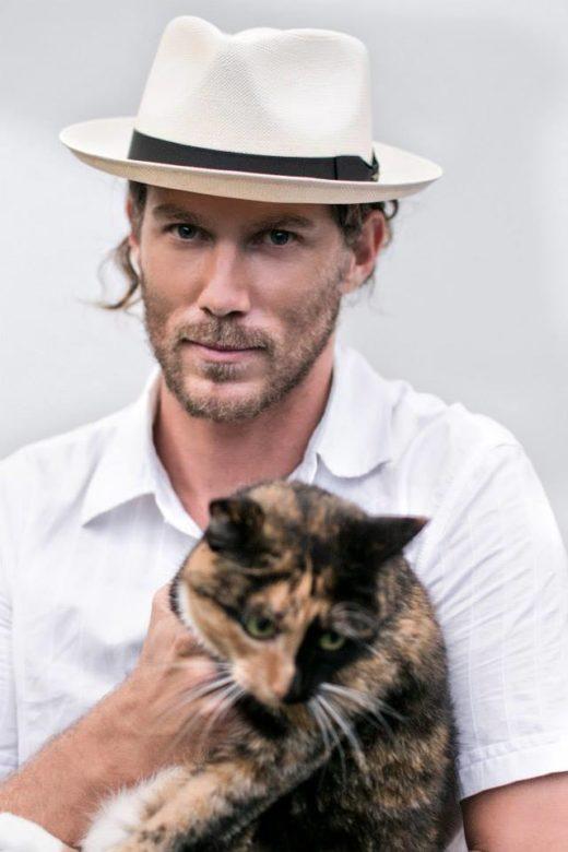 Stetson Fedora and cat in the Photography Donatella Parisini